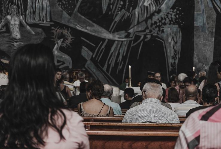 Zapatos de color para bodas, la nueva tendencia